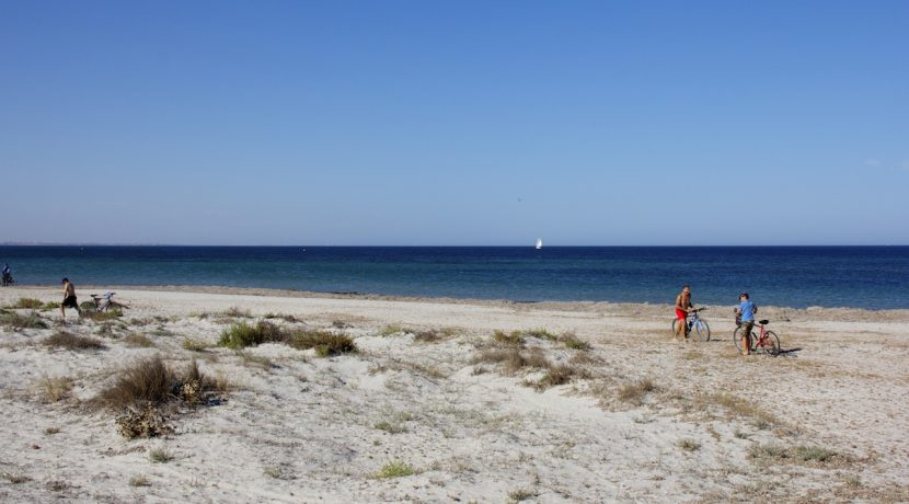 12-the-beach-la-llana-on-the-mediterranean-side-of-lo-pagan